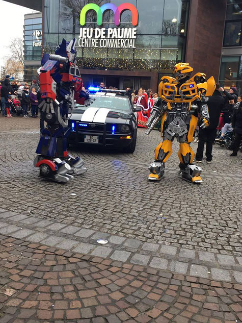 transformers , carnaval , animation , corso , parade de noel , barricade