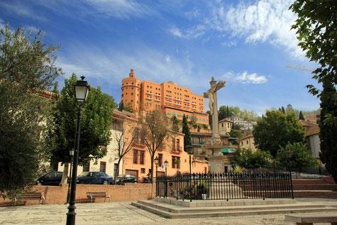 View on the statue on the Plaza Campo del Príncipe