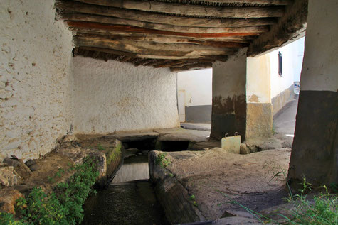 The historic washing sinks of Dólar