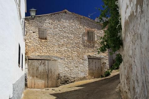 A street in Huéneja