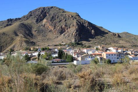 View on the village Alicun de Ortega