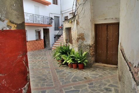A street in Ítrabo