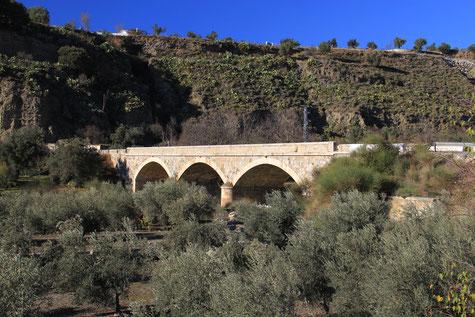 The bridge to Talará