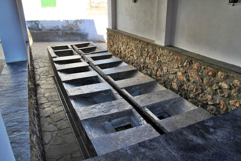 The washing sinks in Jorairátar