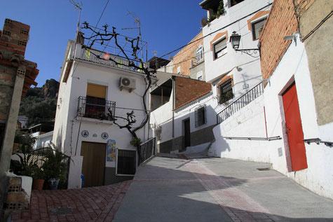 A street in Ízbor