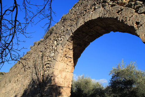 The old aqueduct of Calicasas