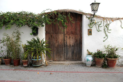 Charming street view in Chite