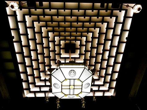 北御堂の天井
