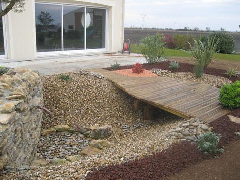 le jardin provencal cr ateur et d signer d 39 ext rieurs. Black Bedroom Furniture Sets. Home Design Ideas