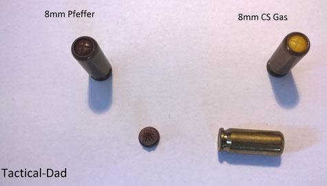 Heute noch hergestellte 8mm Kartuschen / Patronen.