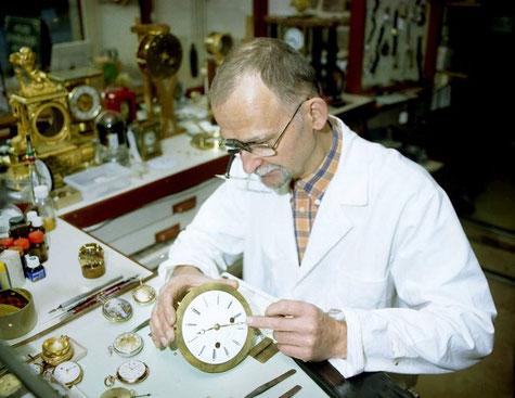 M Le Floch dans son atelier