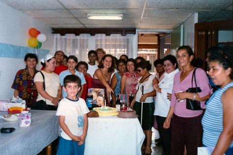 Aus dieser Zeit stammt das Foto von meinem 36. Geburtstag, den ich im Kreise der damaligen Stipendiatinnen und ihrer Kinder feiern konnte.