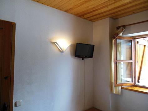tv en la habitación.