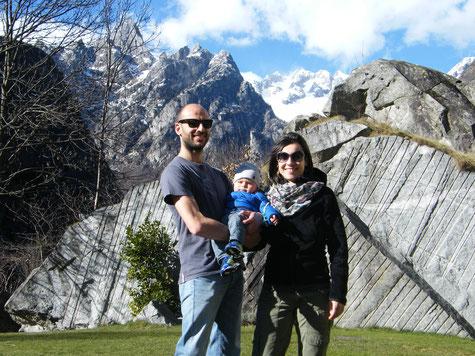 Rocco, Sara e Diego ai piedi dei giganti di granito della Valmasino
