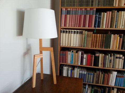 Sideboard mit Lampe