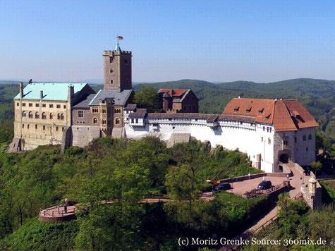 Die Kulturreise 2019 geht nach Thüringen mit vielen historischen Städten und Kulturstätten. Auf dem Foto die imposante Wartburg bei Eisenach, die zum Weltkulturerebe zählt.