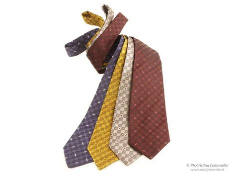 Cravatte seta jacquard tinto in filo - varie nuances - Regione FVG