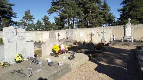 rendent  le cimetière .... plus accueillant.