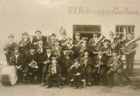 Die Musikkapelle Großreifling wurde 1878 von Georg Robatscher gegründet und von diesem auch bis 1895 geleitet.