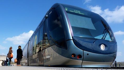 Bordeaux : Le tram ultramoderne