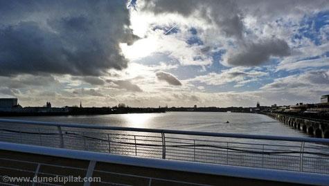Blick von Europas längster Hubbrücke - dem Pont Chaban-Delmas