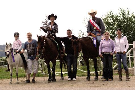 vl. Allround Champion Franziska Schrenk, Jackpot Trophy Champion Sabine Koglgruber, OÖ. Landesmeister Reining 2015 Reinhard Hochreiter.