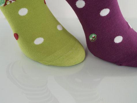 Bild: Gute Laune Socken mit handgekettelter Zehennaht, Strumpf-Klaus