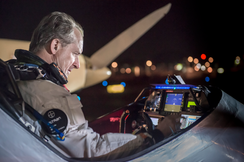 AcrossAmerica Flight Phoenix to Dallas last checks before take off © Solar Impulse | Revillard | Rezo.ch