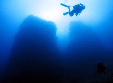 辺戸岬ダイビング 二神岩