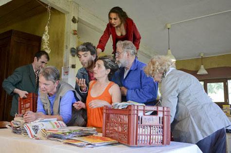 La troupe «Les Invisibles» étonnera encore cette fois par son excellent travail de théâtre militant./Photo DDM Baroud