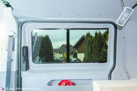 VW Bus Camperconversion Innenverkleidung mit Velour
