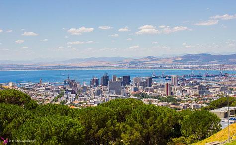Kapstadt von oben mit Blick auf den Blouberg Strand