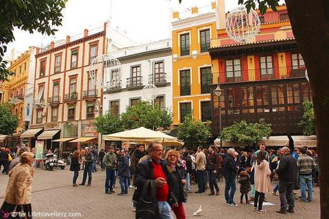 Trubel auf den Straßen von Sevilla