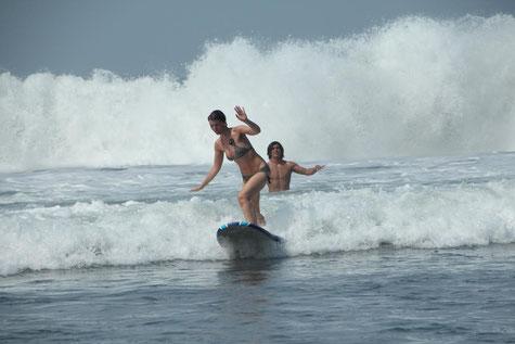 surfgasm - lifetravellerz - puriy - surfen - wellenreiten - welle -strand