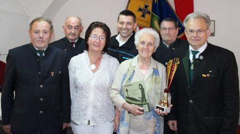 Margit Schieder feierte im Kreise ihrer Sierndorfer Freunde.