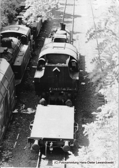Da steht sie nun, bereit zu ihrer allerletzten Reise über die Gleisanlagen des Grubenbahnhofes Landsweiler-Reden, Saarland.