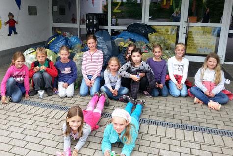 Kinder, Sammlung, Spenden, Hilfe, Stolz