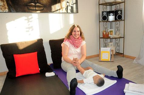 Nicole Schulz bietet Kurse für ayurvedische Babymassage