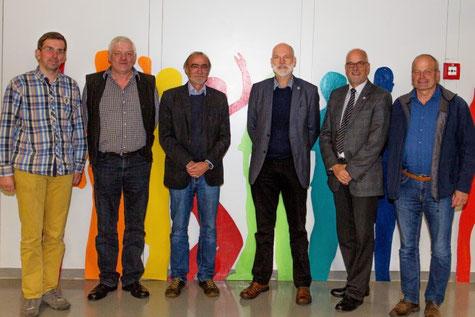 Mitglieder des Schulausschusses v.li.  Dr. Peter Brümmer, Wolfgang Knop, Ronald Radtke, Gerhard Boll, Johann Hansen und Jens Löding hatten eine umfangreiche Tagesordnung abzuarbeiten.