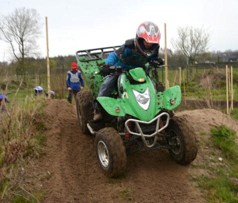 Jede Menge Fahrspaß erleben Kinder und Jugendliche beim Training im Gelände.