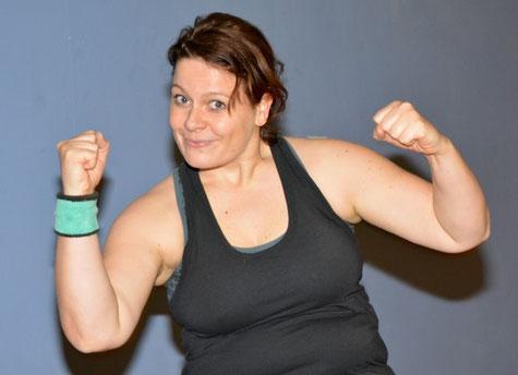 Kerstin Templin macht es vor - alle Muskeln sind in Bewegung.