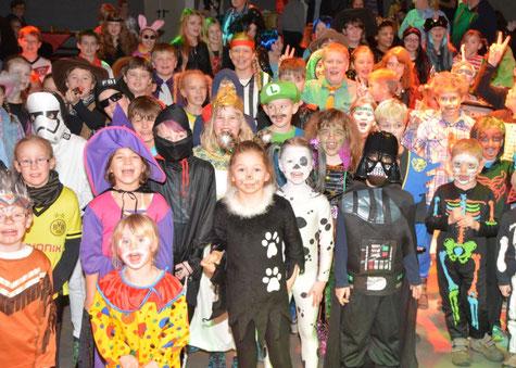 250 Kindern feierten die fünfte Jahreszeit.