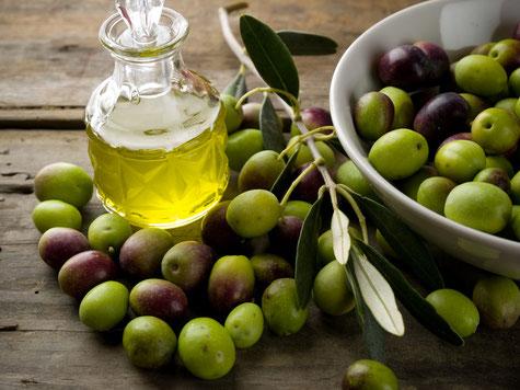 Olivenöl extra vergine Foto:fotolia