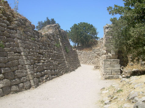 Bronzezeitliche Mauern in Troja