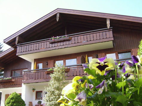 Bed & Breakfast Haus Zufriedenheit in summer
