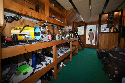 Camera room of the ship Indonesia Liveaboard, ©Pindito