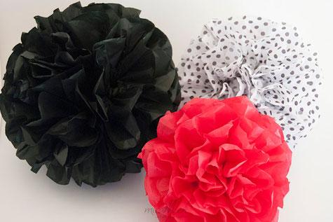 pompones-seda-rojo-negro-lunares
