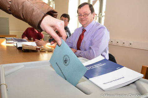 Heute Mittag im Bürgerhaus (Bismarckschule) Osthofen Wahlbezirk 103.