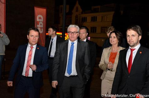 Frank-Walter Steinmeier und die Landtagsabgeordneten Jens Guth (Worms) und Kathrin Anklam-Trapp (Rhein-Selz/Wonnegau).