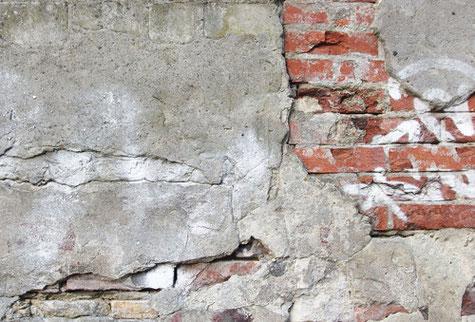 Analyse von Bauschäden und Baumängeln